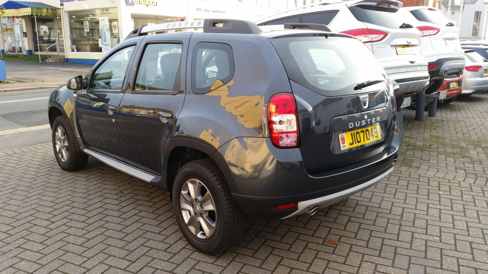 2017 Dacia Duster Laureate dCI 110 4 x 2 Manual 5 Door Compact SUV