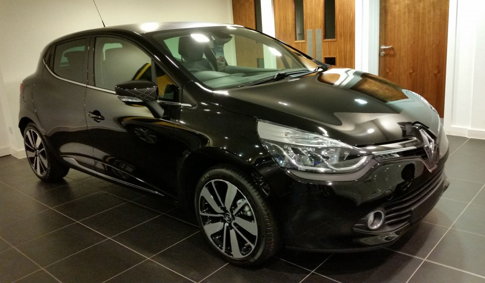 2016 Renault Clio Iconic 25 Nav Special Edition dCI 90 Stop & Start Manual