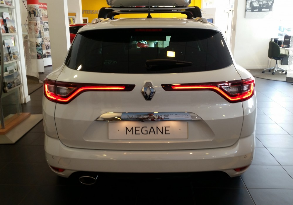 2017 Renault Megane Signature Nav 1.6 dCI 130 Manual 5 Door Sport Tourer