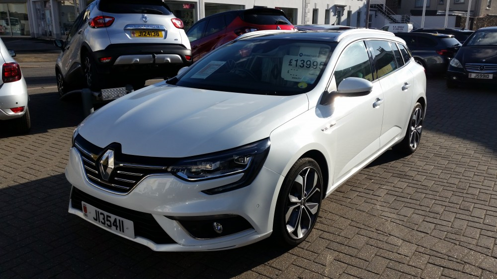 2017 Renault Megane Signature Nav 1.6 dCI 130 BHP Manual 5 Door Sport Tourer